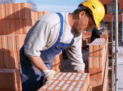 Épületek és épületrészek létesítése (zsaluzás, vasszerelés, betonozás, falazás, vakolás)